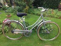 "vintage retro Raleigh ladies Dutch style shopper road bike,21"" frame,700c wheels,back pannier"
