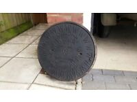 MANHOLE COVER Round Cast iron Osma cover and rim. 450mm dia