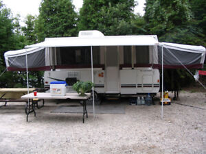 REDUCED!!! 2006 Fleetwood Niagara Camping Trailer