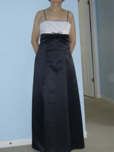 Full Length Dress - Size 10