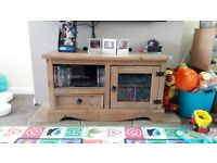 Mexican pine solid wood tv stand
