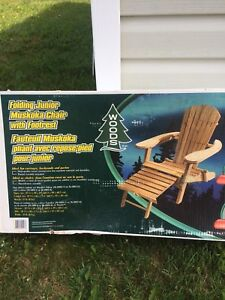 Folding Junior Muskoka chair with foot rest