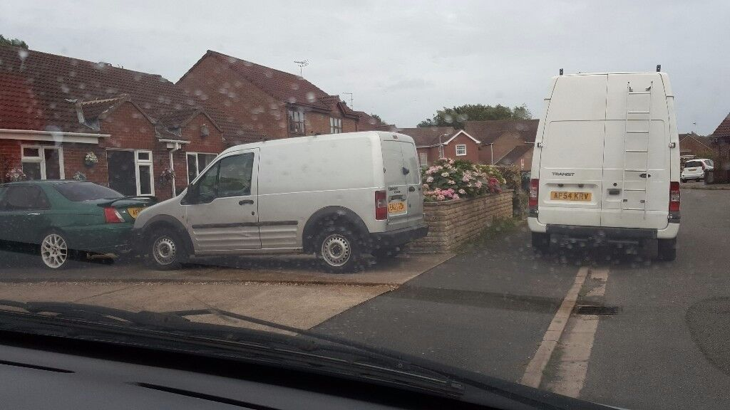 Ford transit connect 05 plate long mot drives excellent.