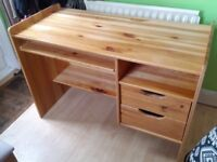 Solid pine computer table