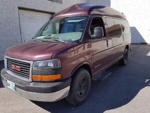 2005 GMC Savana Minivan, Van