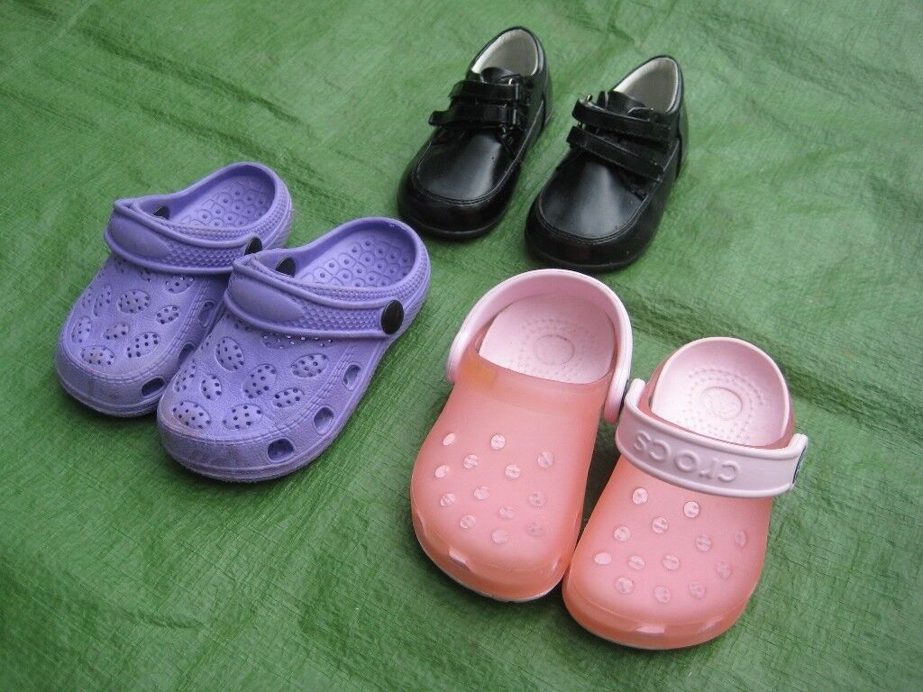3 Pairs of Childrens Shoes for5.00in Lewisham, LondonGumtree - 3 Pairs of Childrens Shoes for £5.00 All three pairs are in very good condition, clean and ready for use, the black shoes are Child Size 4; the light purple and the light orange shoes are both Child Size 6