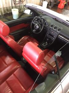 Audi S4 // v8 // 4.2 en convertible interieur Rouge