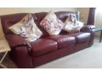 3 SEATER LEATHER SETTEE IN GOOD CONDITION