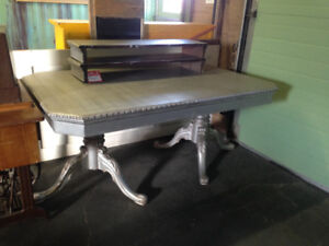 Silvertone table with 2leaves