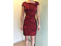 Beautiful smart red and black geometric patterned dress - size 10 (38)