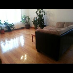 Room for rent/chambre à louer