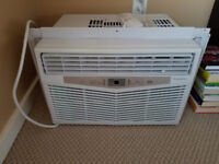 Window Air conditioner for sale,used it only for a week!Moving S