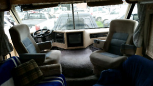 1991 Pinnacle Airstream Class A RV