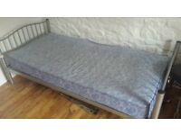 2 Single Beds for sale with mattrass