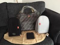 Paca pod changing bag