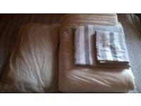Single Duvet set ( Duvet, duvet case, pillow, pillow case)