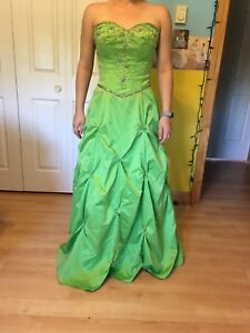 Size 7 prom dress - worn once