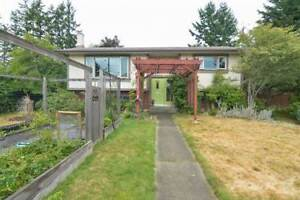 Homes for Sale in Comox, British Columbia $474,900