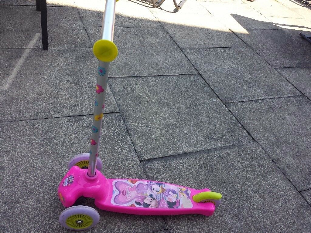 Kids Minnie mouse Scooter