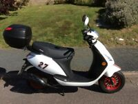 Sinnis Street 50cc Scooter, learner legal, very low mileage.