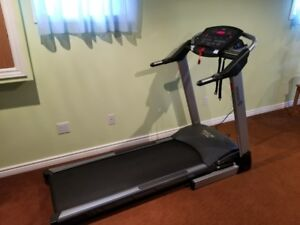 Treadmill- Excellent hardly used condition