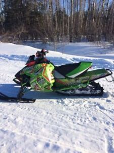 2013 ARCTIC CAT 600 SNO PRO ONLY 5000$ !!