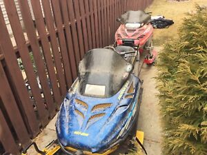 To sleds with trailer