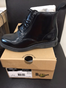 New in box Dr. Martens Emmeline black boot size 5