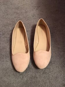 Size 10 Never Worn Nude Suede Flats