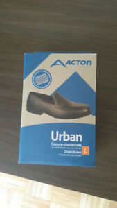 Overshoes. Natural Rubber