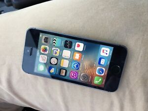 Apple iPod Touch 6th Gen (64GB)