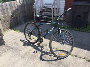 Vélo ccm orion hybride  accepte échange