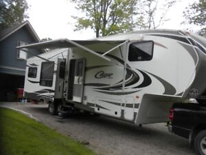 5TH Wheel Cougar  333MKS