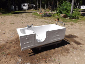 Walk in bath tub never been used