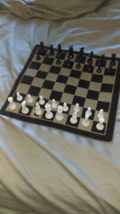 Rollable Magnetic Chess Board