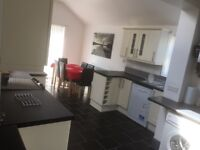 3 Double Rooms, 2 With En-suites - 1min from Central Avenue, All Bills Included, from £525-£550pppcm