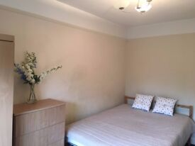 A Lovely Large double room located in North Acton West London, bills included. 4K1, W3 6TX