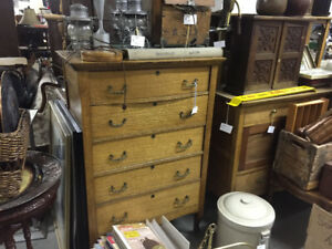 30% off on massive selection of antiques and collectables