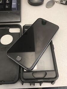 LIKE NEW IPHONE 6 16GB BELL VIRGIN MOBILE W/ BOX & CHARGER