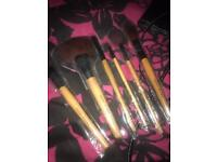 BRAND NEW Bobbi Brown brushes