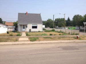 676 Fairford St. E., Moose Jaw