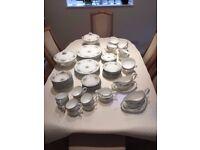 77 Piece Wedgwood Petersham R 4536 Dinner Set