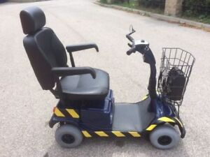 Fortress 2000 4-Wheel Mobility Scooter *MINT CONDITION*
