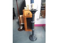 Beautiful pot/plant stand in excellent condition 98 cm high. delivery can be arranged if required.