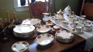 Old Country Rose ( Royal Albert ) china dish set 8 piece setting