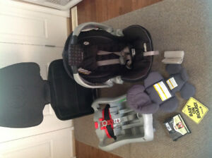 Graco Snugride 35 car seat and accessories