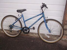 ladies Raleigh Calypso had little use looks great all works recent 26 inch wheels 5 Shimano gears