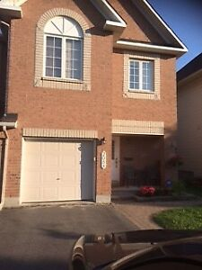 Townhouse -  Very Spacious End Unit 3-Bedroom