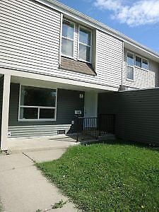 #4128 Pet Friendly 3 Bed Townhouse in Patterson Avail Aug 1st
