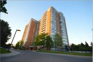 Thornhill/Promenade/Bathurst/Centre 2+1 Bdrm/NOVEMBER/ RENOVATED